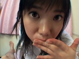 Cute Japanese chick sucking cock