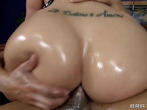 Kelly Divine drives Marco Banderas crazy by parading around the house with her bubble butt covered