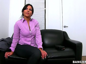 We love it when mature bitches like Rose decide to join the porn ranks at their age. Shes