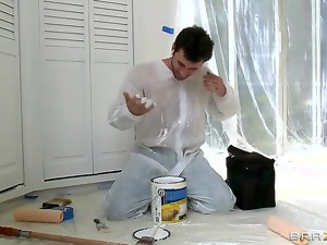 Ava hires James to paint her home. When James gets to work, Ava decides to take a shower