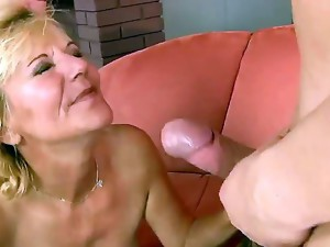 Pound my hairy cunt. staring mature granny, Lili. Shes maybe mature but she still loves a hard cock inside her.