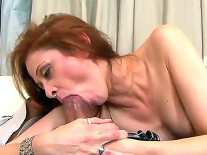 Chloe is s horny mature wife