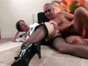 blowjob,british,brunette,european,hardcore,mature,milf,nylon,stockings,older