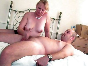 Couple;Masturbation;Mature;Blonde;Caucasian;Amateur;Pantyhose;Handjob