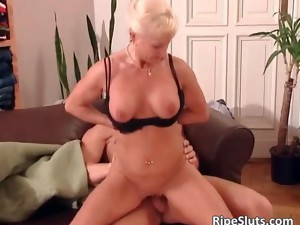 blonde,blowjob,hardcore,mature