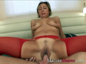 amateur,granny,hardcore,housewife,mature,milf,nylon